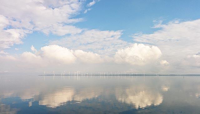 Spegelblankt hav