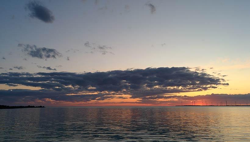 Solnedgång i hamnen